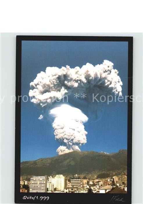 AK / Ansichtskarte Quito Vulkan Kat. Quito