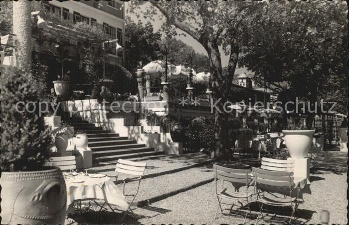 AK / Ansichtskarte Louveciennes Terrasses du Restaurant Bar Les Tilleuls Kat. Louveciennes