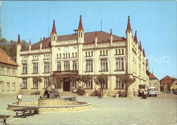 AK / Ansichtskarte Buetzow Rathaus Brunnen Kat. Buetzow