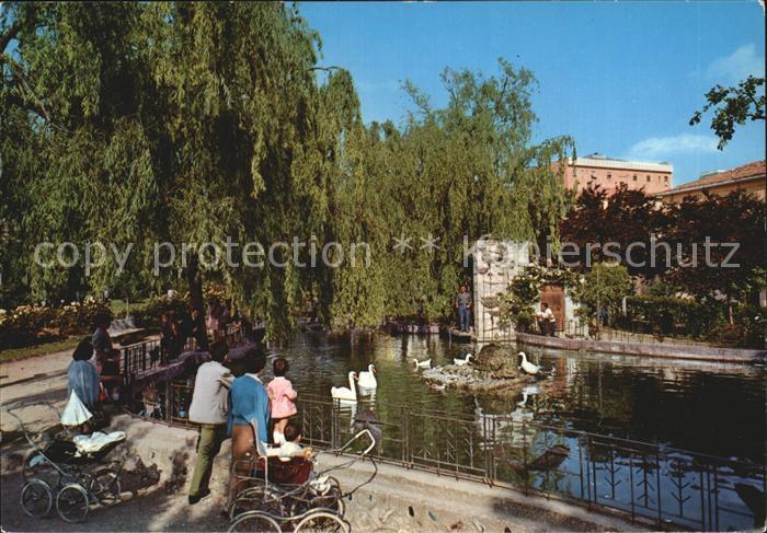AK / Ansichtskarte Isernia Villa Comunale Laghetto