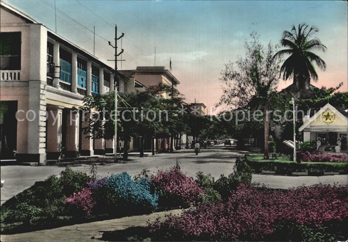 AK / Ansichtskarte Dar Es Salaam Acacia Avenue Kat. Dar Es Salaam