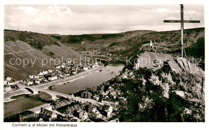 AK / Ansichtskarte Cochem Mosel Panorama Blick vom Pinnerkreuz Kat. Cochem