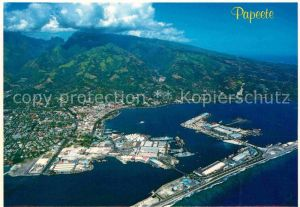 AK / Ansichtskarte Papeete Port Montagnes vue aerienne Kat. Papeete