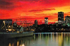 AK / Ansichtskarte Montreal Quebec Coucher de soleil sur la ville vu du Port Kat. Montreal