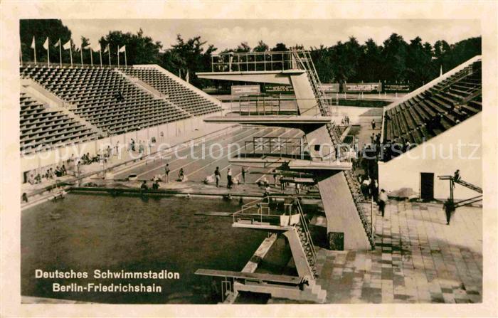 AK / Ansichtskarte Friedrichshain Berlin Deutsches Schwimmstadion  Kat. Friedrichshain Kreuzberg