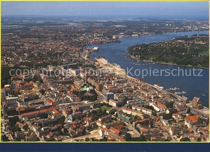 AK / Ansichtskarte Rostock Mecklenburg Vorpommern Hansestadt an der Warnow Fliegeraufnahme Kat. Rostock