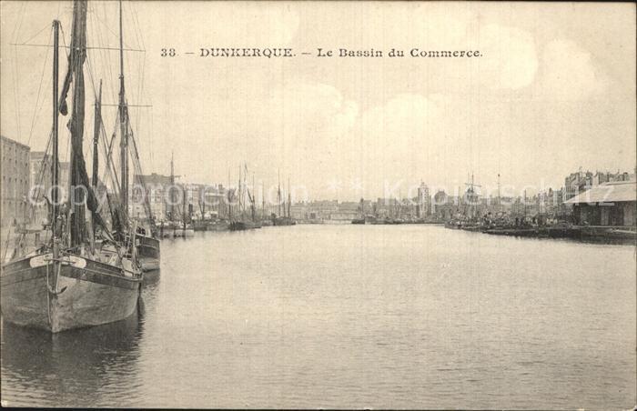 AK / Ansichtskarte Dunkerque Le Bassin du Commerce Bateau Kat. Dunkerque