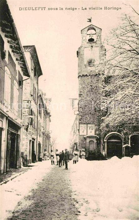 AK / Ansichtskarte Dieulefit Ortspartie im Winter vieille Horloge Kat. Dieulefit