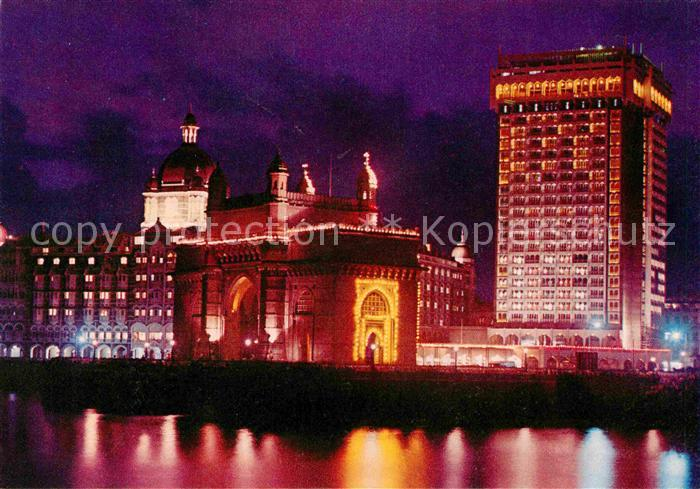 AK / Ansichtskarte Bombay Mumbai Illumination at Gate Way of India Taj Mahal Hotel Taj Intercontinental Hotel