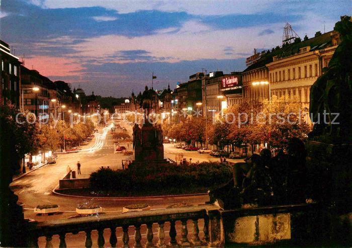 AK / Ansichtskarte Praha Prahy Prague Wenzelsplatz Denkmal Nachtaufnahme Kat. Praha