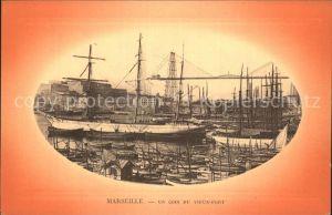 AK / Ansichtskarte Marseille Un coin du vieux port Bateaux Hafen Segelschiffe Kat. Marseille
