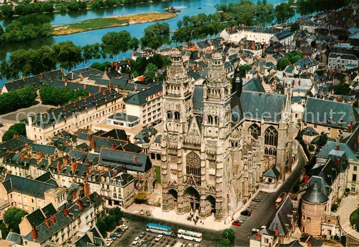 AK / Ansichtskarte Tours Indre et Loire Cathedrale Saint Gatien vue aerienne Collection Les Merveilles du Val de Loire Kat. Tours