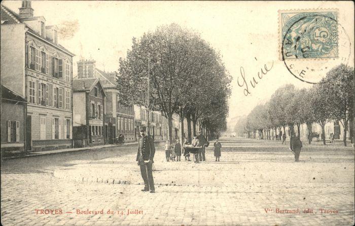 Troyes Boulevard Juillet x