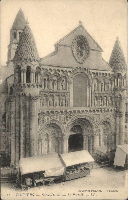 Poitiers Notre Dame Le Portail *