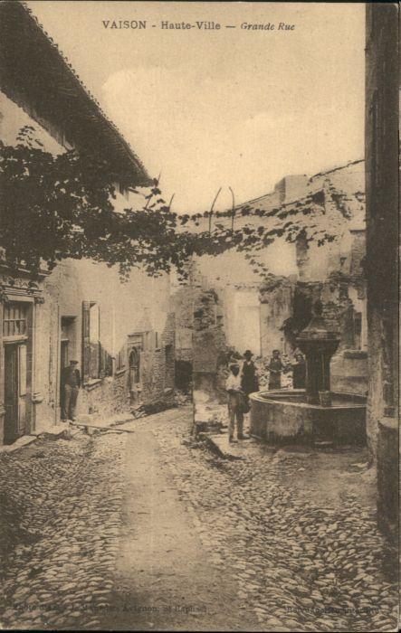 Vaison Haute-Ville Grande Rue *