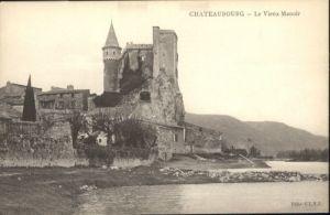 Chateaubourg Vieux Manoir *