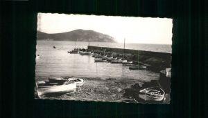 Saint-Cyr-sur-Mer-les-Lecques la Jetee la Pointe de la Madrague x