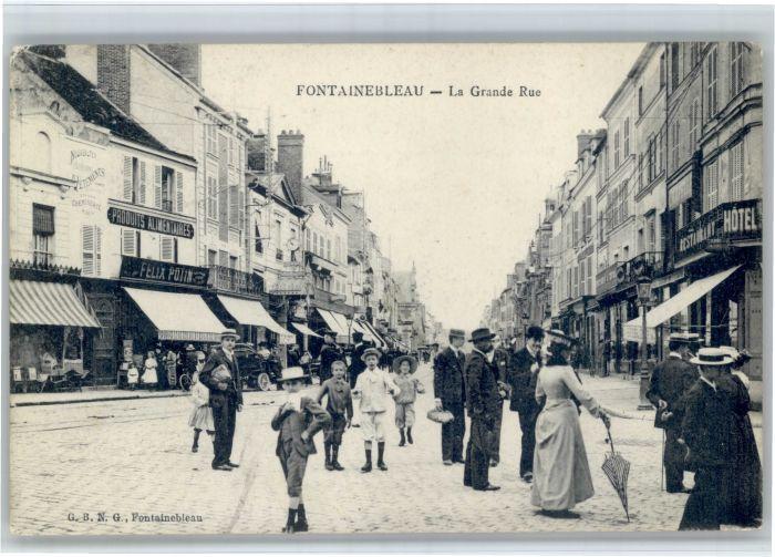 AK / Ansichtskarte Fontainebleau Fontainebleau Grande Rue x /  /