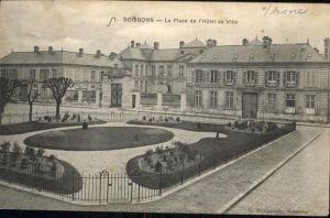 Soissons La Place de l'Hotel de Ville /  /