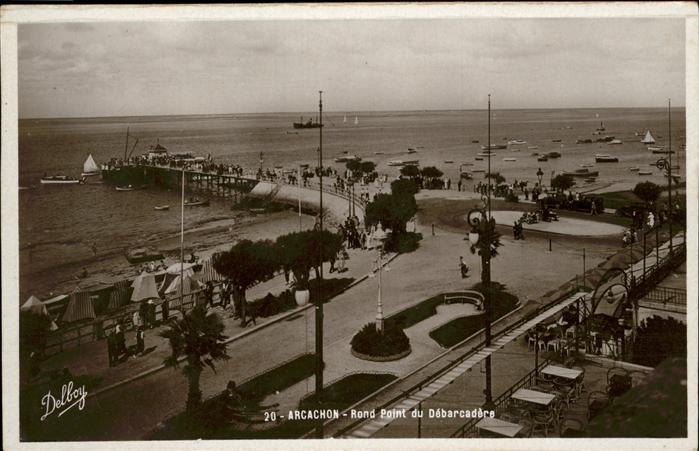 AK / Ansichtskarte Arcachon Rond Point Du Debarcadere /  /