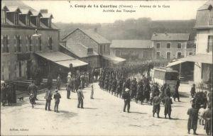 AK / Ansichtskarte Creuse Camp de la Courtine Avenue de la Gare Arrivee des Troupes /  /