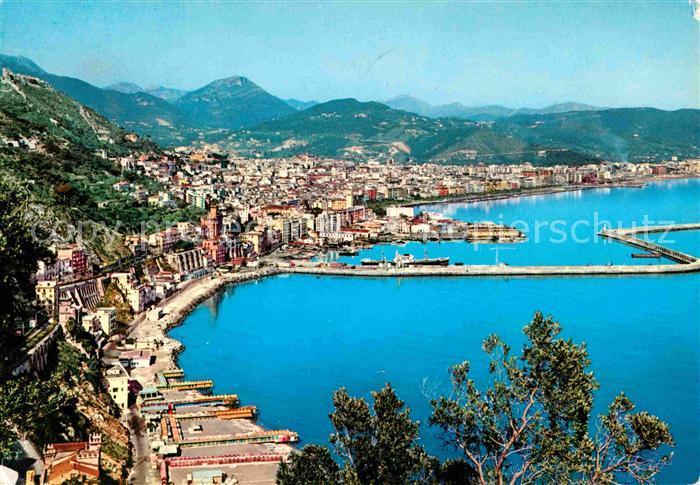 AK / Ansichtskarte Salerno Panorama Hafen Kueste Berge Kat ...