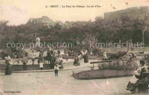 AK / Ansichtskarte Brest Finistere Place du Chateau Le Jet d Eau  Kat. Brest