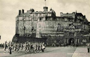 AK / Ansichtskarte Edinburgh Wachabloesung Edinburgh Castle Kat. Edinburgh