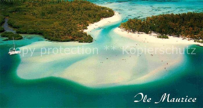 AK / Ansichtskarte Mauritius Luftaufnahme Strand Boot Kat. Mauritius
