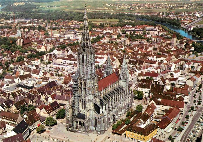 AK / Ansichtskarte Ulm Donau Fliegeraufnahme mit Dom hoechste Kirche der Welt Donau Kat. Ulm