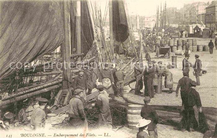AK / Ansichtskarte Boulogne sur Mer Embarquement des Filets Kat. Boulogne sur Mer