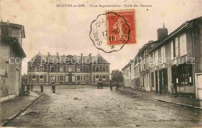 AK / Ansichtskarte Montier en Der Place Auguste Lebon Ecole des Garcons Kat. Montier en Der