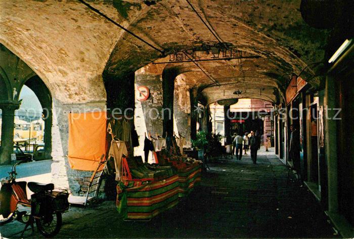 AK / Ansichtskarte Genova Genua Liguria Angolo caratteristico della vecchia citta Altstadt Kat. Genova