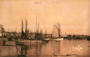 AK / Ansichtskarte Les Sables d Olonne Le Port Kat. Les Sables d Olonne