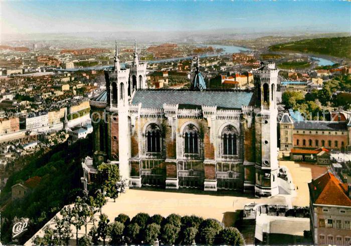 AK / Ansichtskarte Lyon France Basilique Notre Dame de Fourviere dominant toute la Ville Kat. Lyon