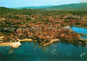 AK / Ansichtskarte Saint Tropez Var Cote d Azur vue aerienne Collection Couleurs et Lumiere de France Kat. Saint Tropez