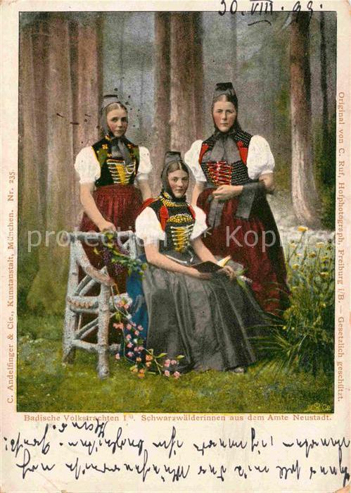 AK / Ansichtskarte Neustadt Schwarzwald Badische Volkstrachten Schwarzwaelderinnen