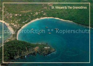 AK / Ansichtskarte Saint Vincent Grenadines Salt Whistle Bay Mayreau Grenadines aerial view Kat. Saint Vincent
