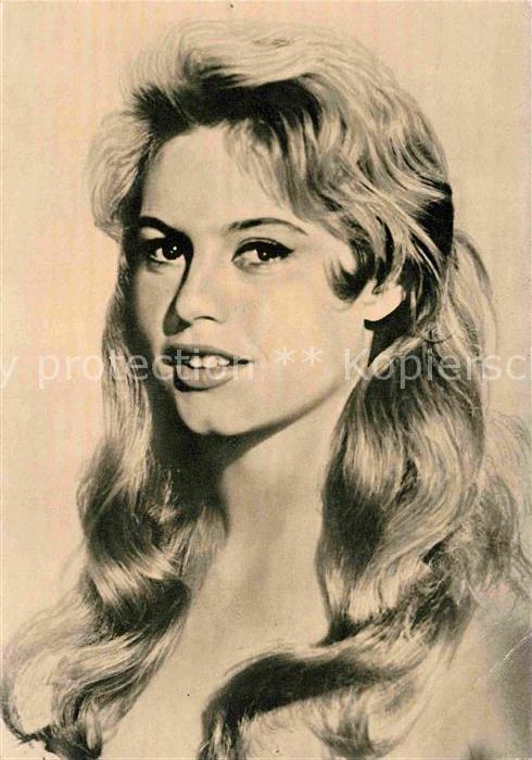 AK / Ansichtskarte Schauspieler Brigitte Bardot  Kat. Kino und Film