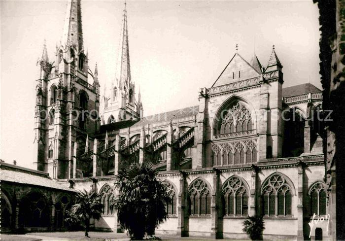 AK / Ansichtskarte Bayonne Pyrenees Atlantiques Cathedrale Kat. Bayonne