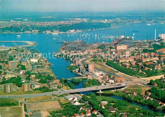 AK / Ansichtskarte Kiel Schwentine und Segelregatta auf der Foerde Landeshauptstadt Fliegeraufnahme Kat. Kiel