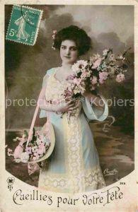 AK / Ansichtskarte Frauen Mode Blume Foto Oricelly Nr. 366 Kat. Frauen