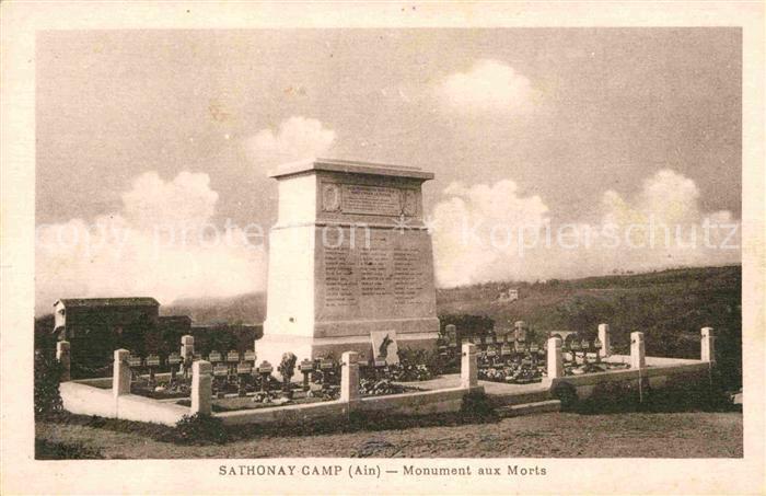 AK / Ansichtskarte Sathonay Camp Monument aux Morts Kriegerdenkmal Kat. Sathonay Camp