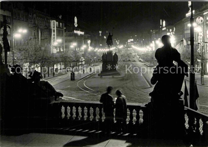 AK / Ansichtskarte Praha Prahy Prague Wenzelsplatz Denkmal Reiterstandbild Nachtaufnahme Kat. Praha