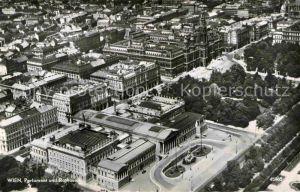AK / Ansichtskarte Wien Fliegeraufnahme mit Parlament und Rathaus Kat. Wien