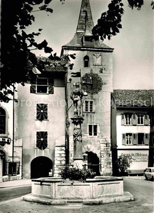 AK / Ansichtskarte Le Landeron Schloss Brunnen Kat. Le Landeron