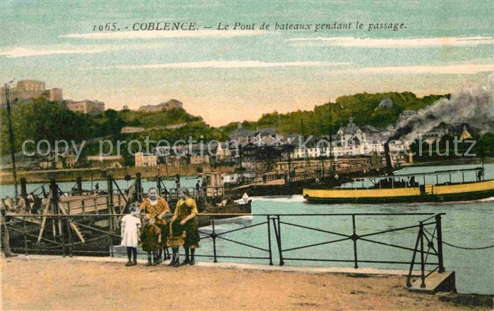 AK / Ansichtskarte Coblence Coblenz Koblenz Pont de bateaux pendant le passage Kat. Koblenz
