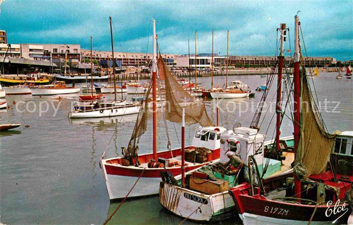 AK / Ansichtskarte Royan Charente Maritime Port Front de Mer Kat. Poitiers Charentes