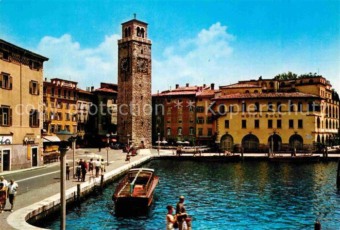 AK / Ansichtskarte Riva Lago di Garda Il Porto Hafen Turm Hotel Kat.