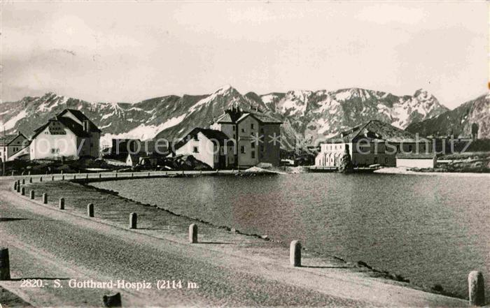 AK / Ansichtskarte St Gotthard Hospiz Berghotel Bergsee Alpenpass Kat. Gotthard St.
